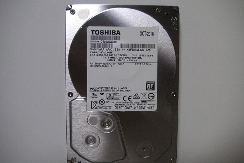 東芝3.5インチハードディスクDT01ACA300の画像