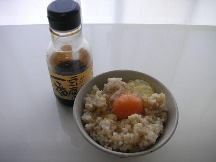 卵かけご飯の醤油として豆腐に一番を使う